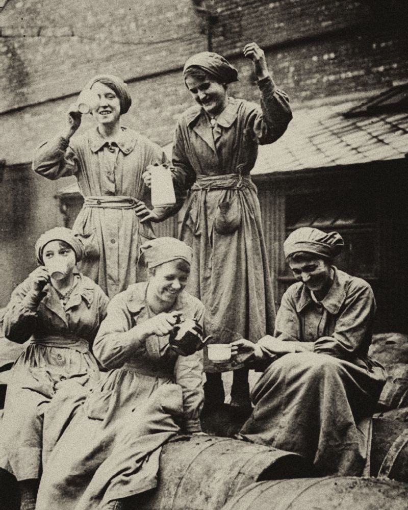 Ladies on a quick tea break in World War One