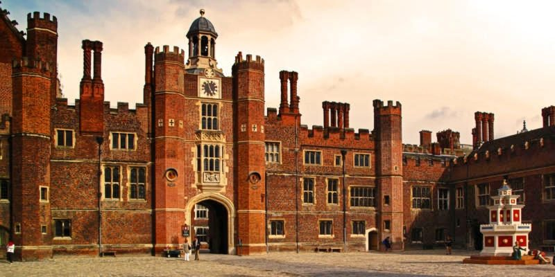 10 Fascinating Facts About Hampton Court Palace – Britain